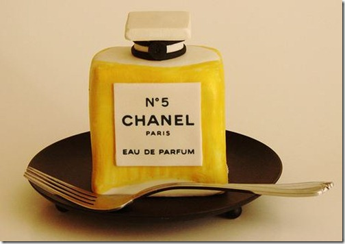 Chanel perfume bottle mini cake