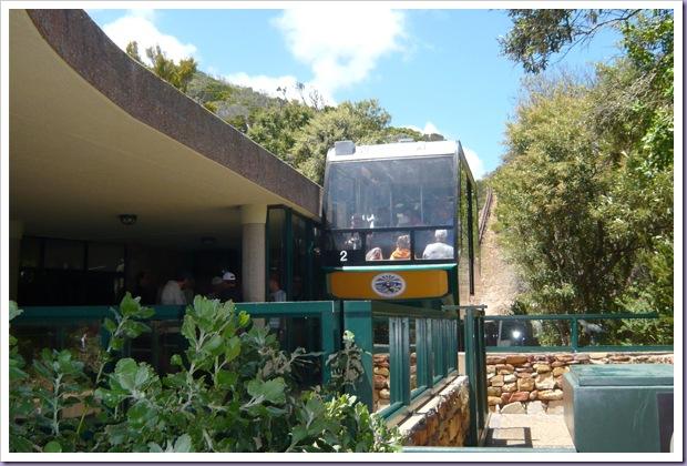Cape-Point-África-do-Sul-Cape-Town-Veículo-Montanha-Trilhos