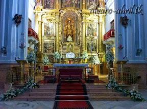 exorno-floral-para-boda-en-la-iglesia-de-sanra-maria-de-la-victoria-de-malaga-y-celñebración-(4).jpg