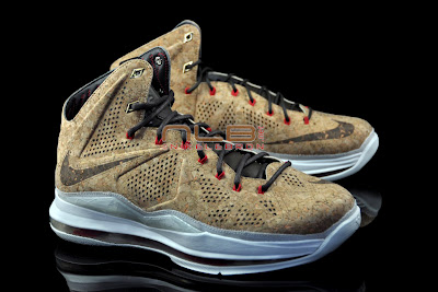 lebron10 nsw cork 26 web black The Showcase: NIKE LEBRON X Cork World Champions Shoes