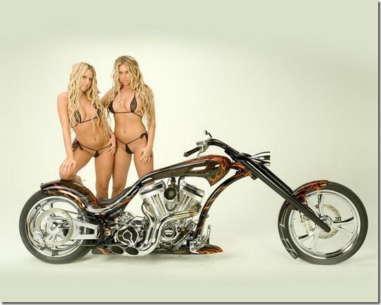 Hot-Babes-With-Bikes-13