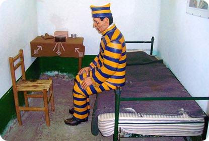 Presidiário em sua cela