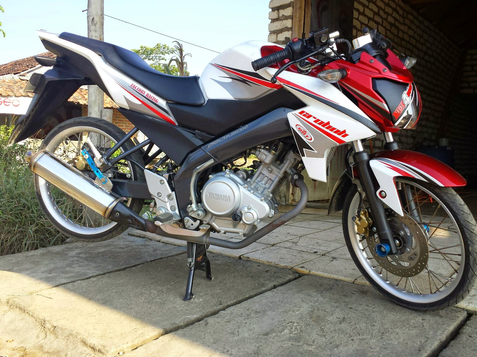 Yamaha R25 Modifikasi Ceper