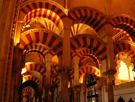 Moschee Spania: Mezquita Catedral, coloane