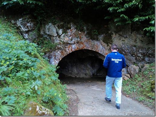 Entrée de la Grotte de Médous