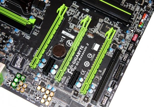 x4407_11_gigabyte_g1_assassin_2_intel_x79_motherboard_preview.jpg.pagespeed.ic.LfNmLONEyM