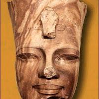 11.- Cabeza de Amenofis III