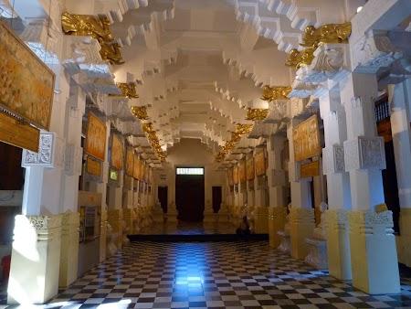 06. Templul dintelui Sri Lanka.JPG