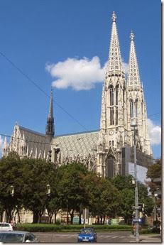 Votivkirche_din_Viena