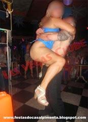 Stripper Rafael Azeredo e a aniversariante