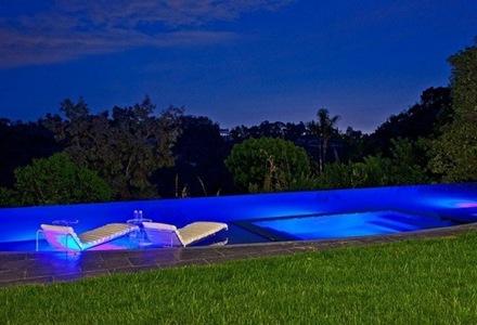 piscina-diseño-muebles-de-piscina