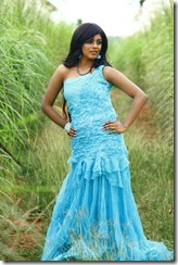 Iniya_in_blue_dress