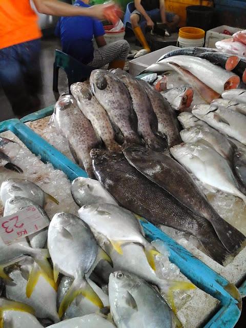 ikan segar di pasar borong selayang