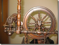 antique_wheel_closeup