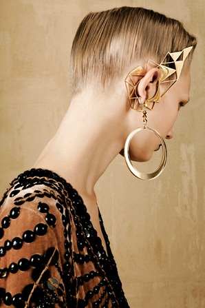 BOLD-GOLD-by-Oskar-Cecere-for-Vogue-Italia-DESIGNSCENE-net-04