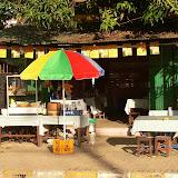 Vientiane - Notre cantine (2).JPG