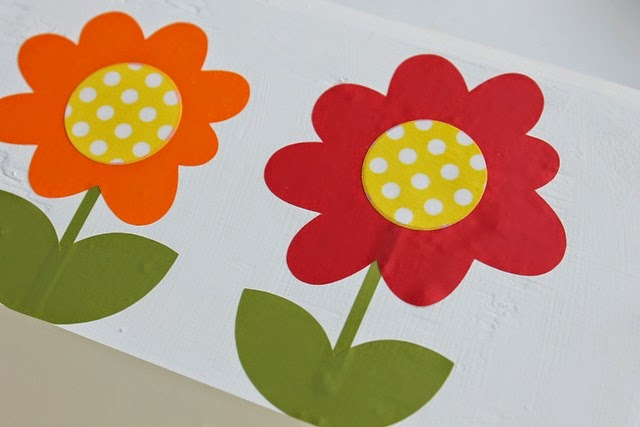 spring block with vinyl flowers