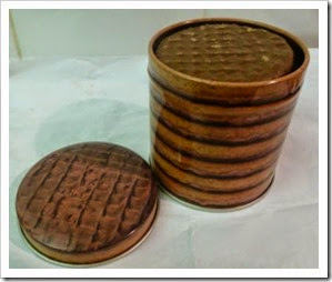 HobbyCraft mini chocolate digestive tin
