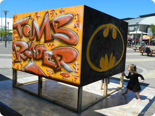 EB Expo - Street Art -  Tomb Raider and Batman
