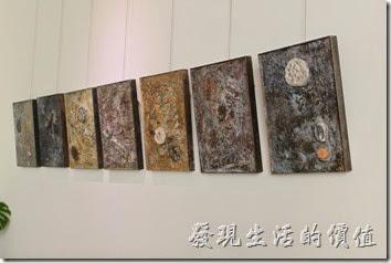 台南-L B_Coffee綠色咖啡廳。各處的牆壁上也都掛有曾老師的創作作品,聽店老闆說他想把這裡當成半展覽的空間。
