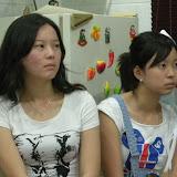 这两姐妹真的很像呢。。。
