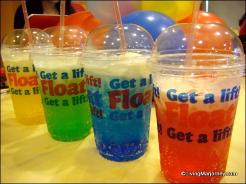 Jollibee University Floats' new flavors!