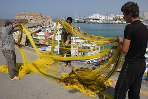 Διαμαρτύρονται οι ψαράδες στη Δαμανάκη για τον Κ.Α.Π.