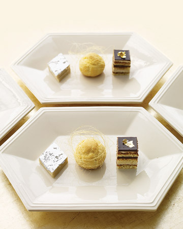 and these shiny petit fours are exquisite.(marthastewartweddings.com)