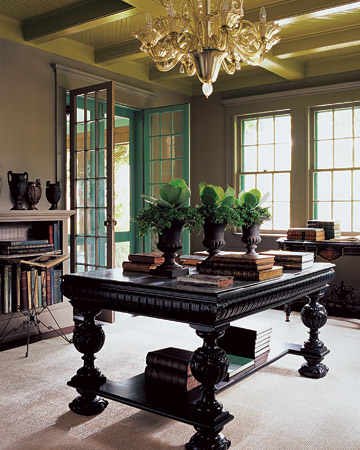Martha's Lily Pond Lane library is the perfect shade of brown. (marthastewart.com)