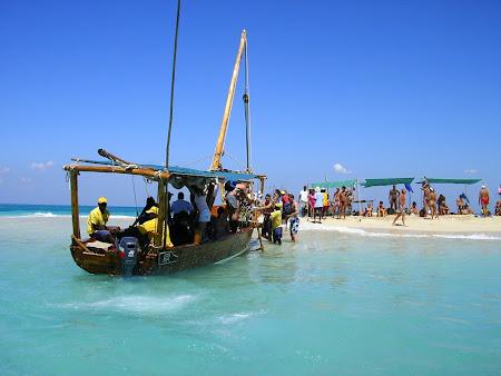 Imagini Zanzibar: o limba de nisip