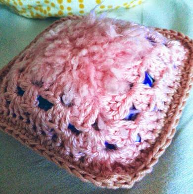 sachet parfume patchouli crochet rose