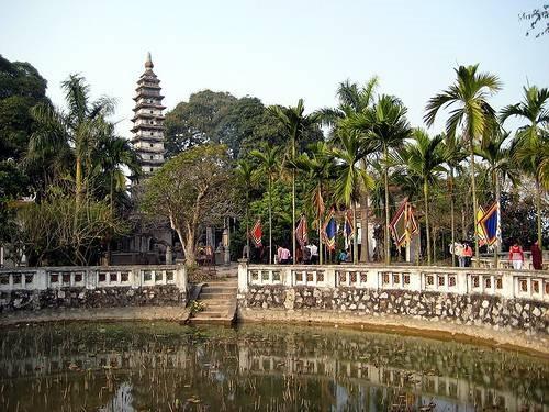 Biểu tượng hoa sen trên kiến trúc tháp Phổ Minh và triết lý Phật giáo thời Trần
