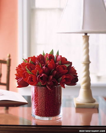 Sweetheart Arrangement. (marthastewart.com)