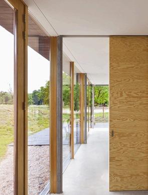fachadas-de-vidrio-y-madera