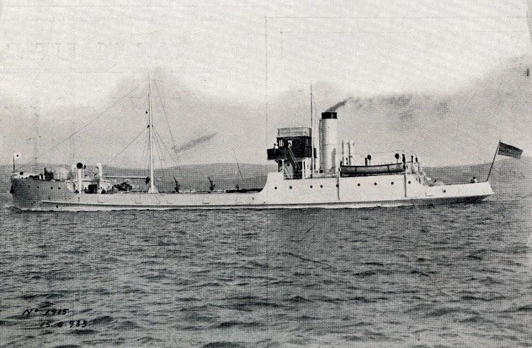 Buques aljibe en pruebas para ser entregados por la SE de CN a la Armada. Revista Vida Marítima, Nums. 986 y 987 de 15 y 30 de Septiembre de 1.933.JPG