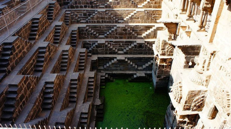 chand-baori-6