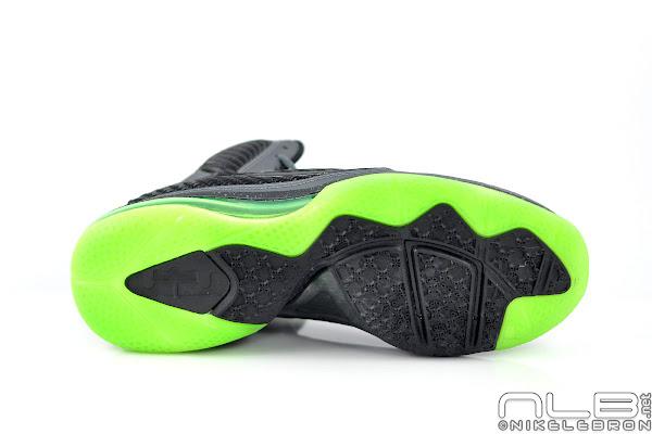The Showcase Nike LeBron 9 8220Dunkman8221 Diddy Rocks 8216Em Too