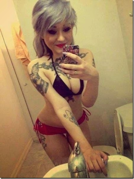 hot-tattooed-women-023