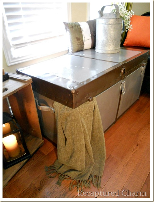 Metal Trunk Makeover 072a