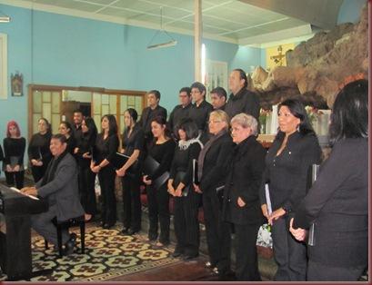 PRESENTACION CORO UNAP LUNES 27 DE MAYO GRUTA CAVANCHA (3)