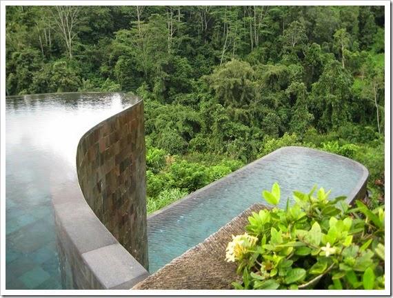 double-infinity-pool-hanging-gardens-ubud-bali