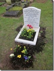 grave 005 (768x1024)