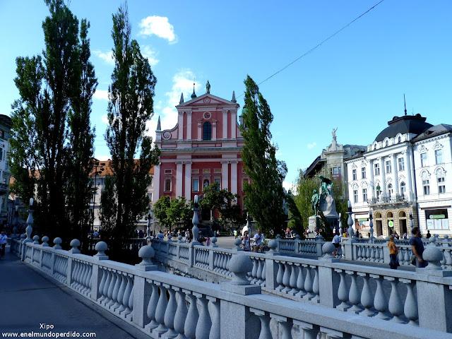 Plaza-preseren-en-Ljubljana.JPG