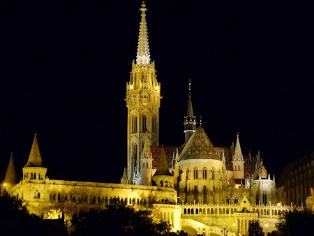 Budapesta noaptea - catedrala Matei Corvin