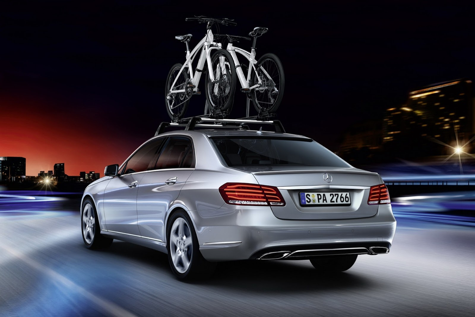 Mercedes benz e class now available with illuminated star for Mercedes benz e class accessories