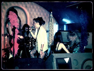 grupo rock chicas femenino directo
