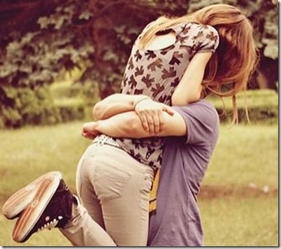 hugging_0