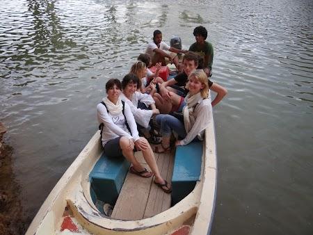 44. Barca de Wadi Shab.JPG