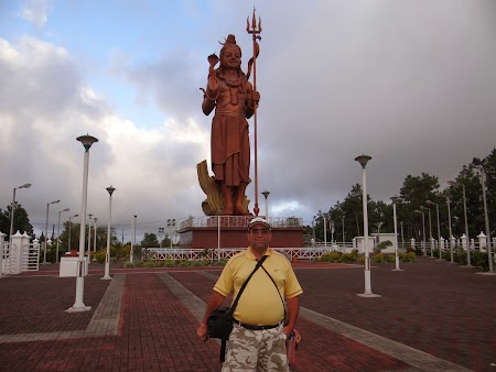 Obiective turistice Mauritius: Statuie Shiva