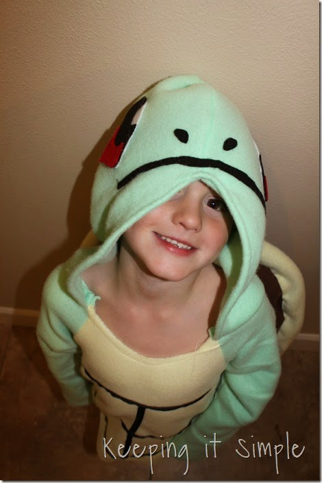DIY Pokemon Squirtle Costume (17)